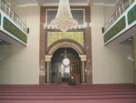 ruang dalam masjid babusalam