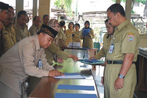 Serah Terima Jabatan Dinas Pendidikan Kabupaten Malang